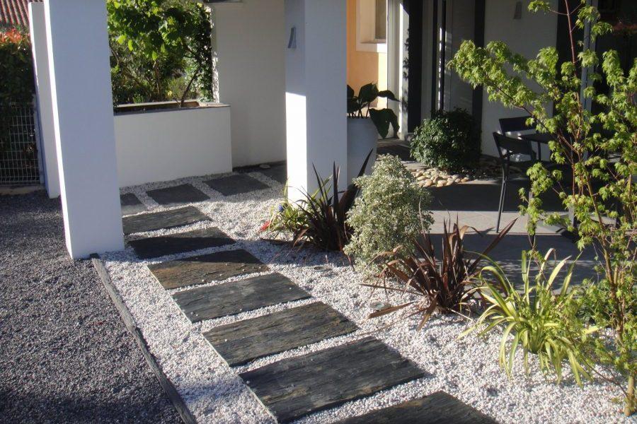 pose pas japonais sur gravier le principe du pas japonais est de crer un chemin luaide duun. Black Bedroom Furniture Sets. Home Design Ideas